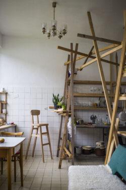 Dielňa dizajnu - DOMINIK HLINKA / barová stolička 1