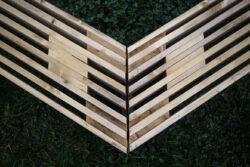 Dielňa dizajnu - JÁN ŠTOFKO / hexarray bench (sedenie k ohnisku)